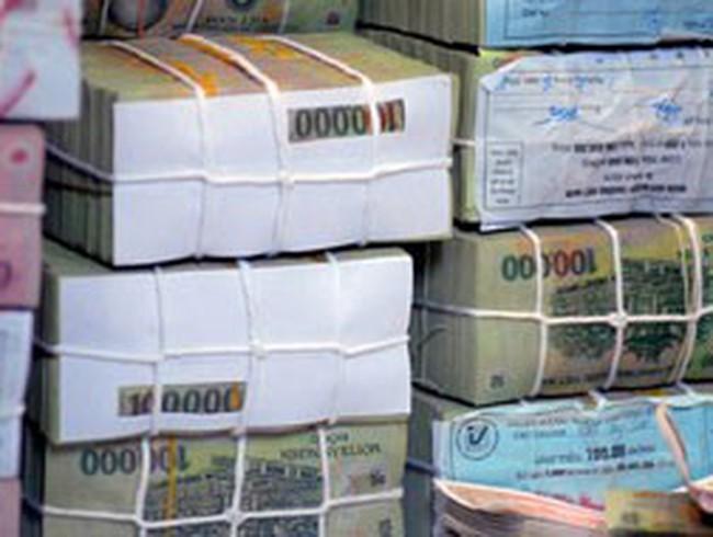 Ngân hàng được lợi nhờ người dân tăng bán vàng