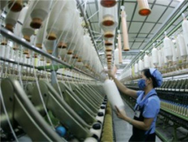 Giá bông và sợi nhập khẩu giảm 3% trong tháng 6
