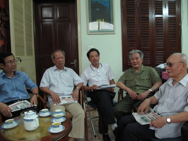 Hành trình gian nan trong việc cấp sổ đỏ tại quận Long Biên