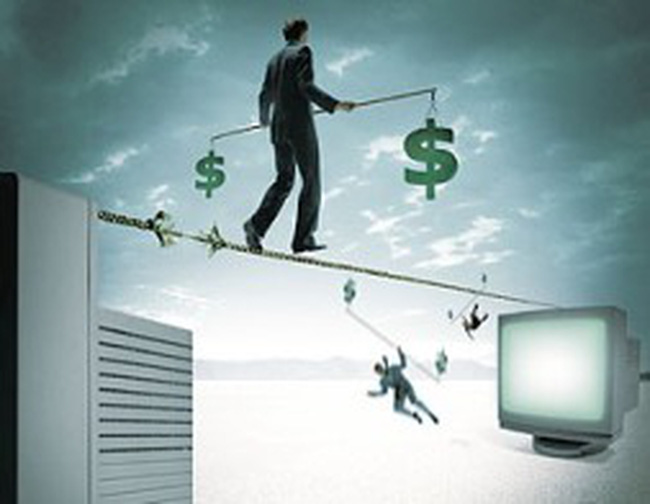 Cẩn trọng với tín dụng ngoại tệ: Rủi ro do cung ảo