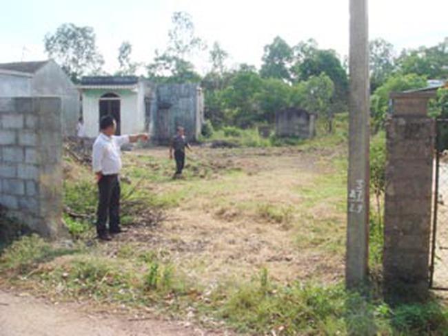 Đồng Hới: Tự ý bán đất nhà hàng xóm