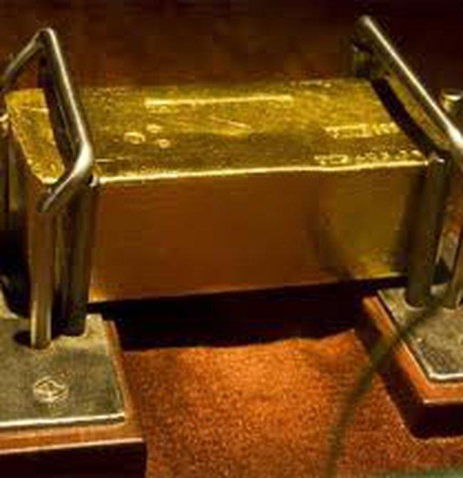 Siết vàng xuất khẩu