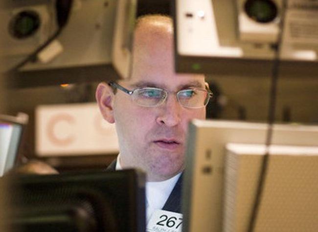 Dow Jones mất điểm khi hai đảng tiếp tục xung đột