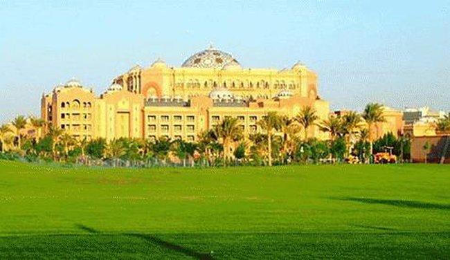 Choáng với khách sạn xa hoa nhất thế giới
