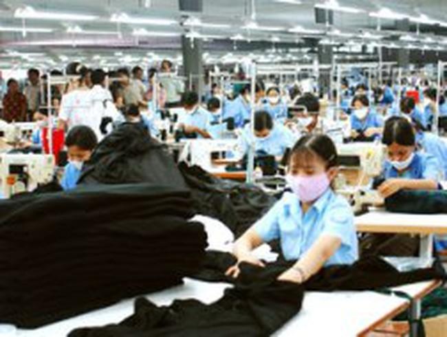 Nhập khẩu vải may mặc vượt 4 tỷ USD