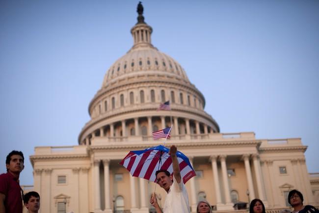 Mỹ đạt thỏa thuận tạm thời về nâng trần nợ
