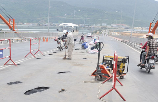 Điều gì xảy ra ở cây cầu dây võng dài nhất VN?