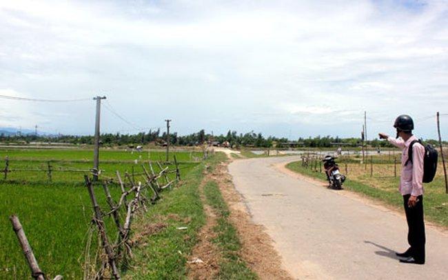 """Hà Tĩnh: Nắn đường """"nuốt"""" đất của dân"""