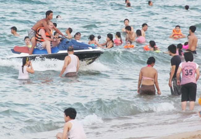 Quyết liệt làm thoáng bờ biển Nha Trang