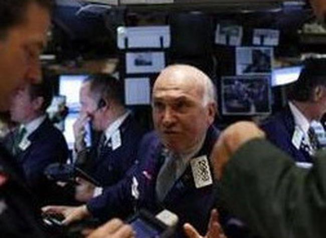 Dow Jones hạ nhẹ trong tâm lý bi quan của nhà đầu tư