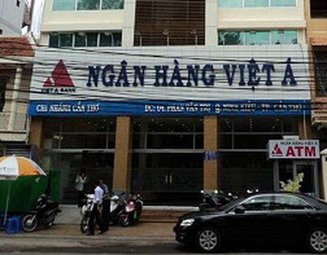 3 cán bộ Ngân hàng Việt Á bị đình chỉ công tác vì nợ khó đòi