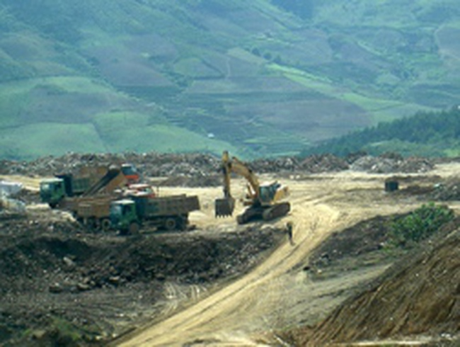 Nóng bỏng tranh chấp mỏ quặng sắt