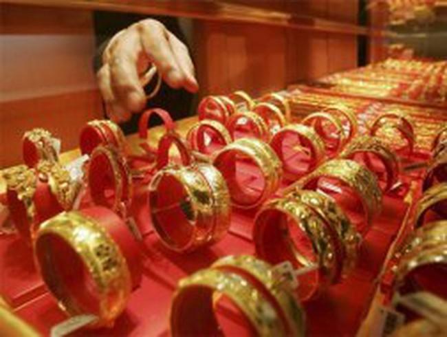 Các doanh nghiệp kim hoàn ngóng hạn ngạch nhập vàng