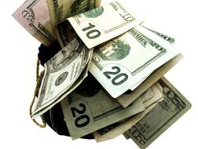 Đôla tự do tăng giá lên 21.300 đồng