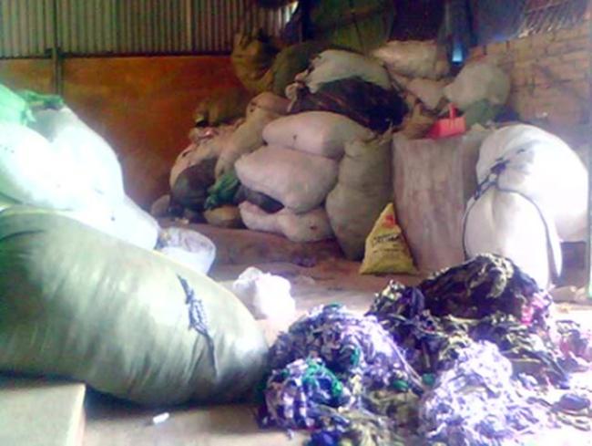 Làng chăn gối: Vỏ xịn, ruột rác