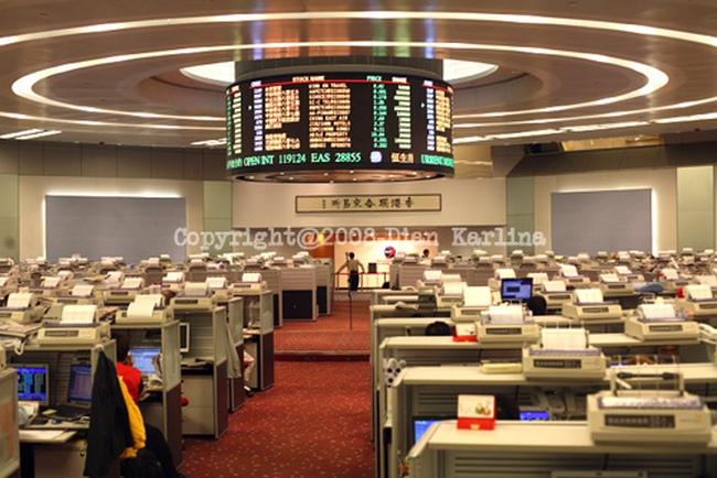 Sàn Hồng Kông ngưng giao dịch vì tin tặc