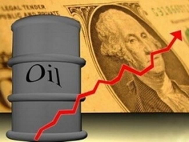 Giá dầu tăng mạnh nhất trong 3 tháng