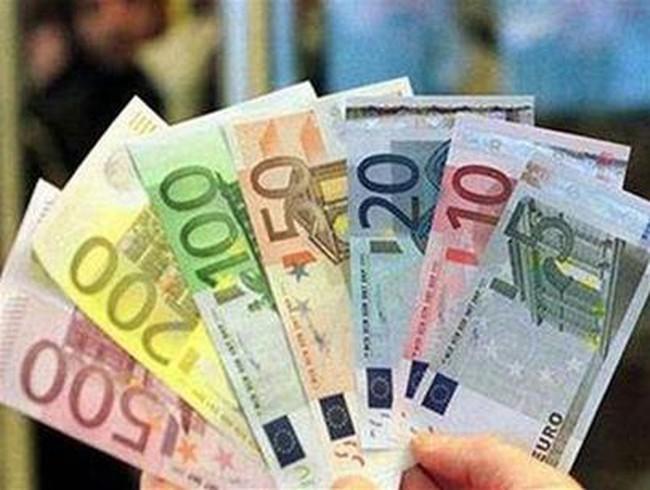 Ngân hàng Trung ương hàng đầu thế giới chạy đua ngăn kinh tế suy thoái