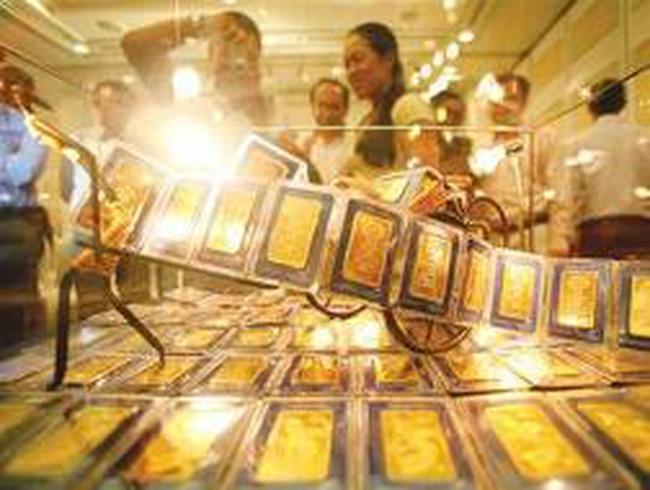 """""""Cuộc chơi"""" với vàng: Lợi đơn, thiệt kép"""