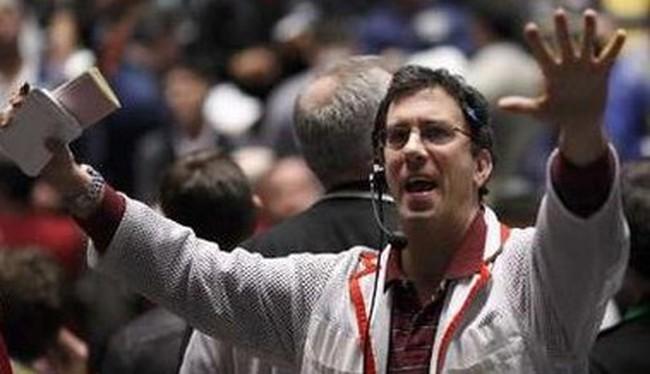Người đứng đầu công ty tại Bắc Mỹ mua mạnh để cứu giá cổ phiếu