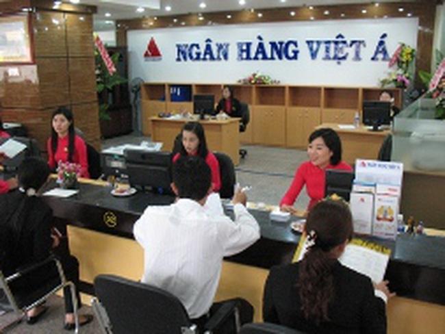 """Cổ đông VietABank: """"Mượn đầu heo nấu cháo"""""""