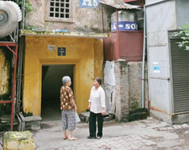 Cải tạo chung cư cũ tại HN: Vướng chính sách, vướng cả lòng dân