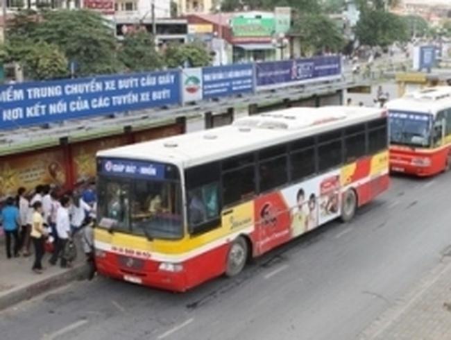 """Cơ sở hạ tầng vẫn còn """"chạy dài"""" theo xe buýt"""