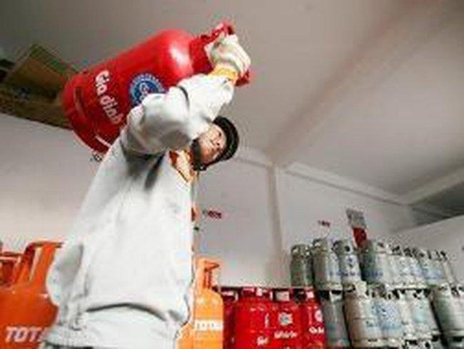 Gas đồng loạt giảm 5.000 đồng/bình 12kg