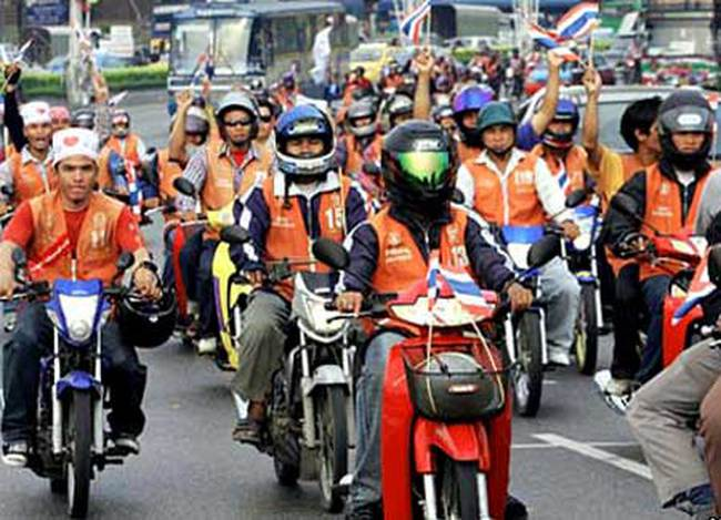 'Xe ôm' làm chính trị ở Thái Lan