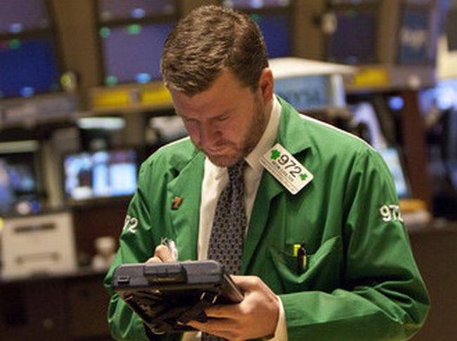 Nỗi lo nợ công châu Âu trở lại, Dow Jones mất điểm
