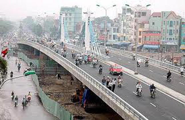 Hà Nội làm cầu vượt cao bằng tòa nhà 7 tầng