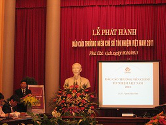 Phát hành Báo cáo thường niên chỉ số tín nhiệm Việt Nam, xếp hạng tín nhiêm 596 DN niêm yết