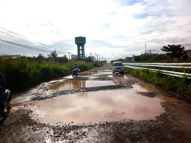 KCN Hố Nai - Đồng Nai: DN và dân khổ vì không đường vào