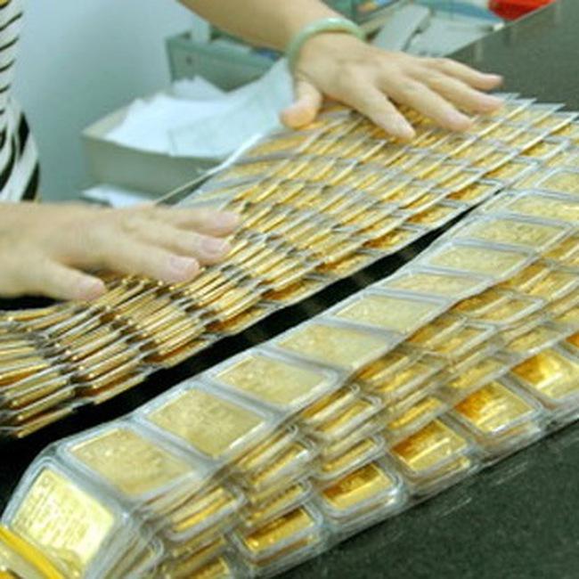 Giá vàng đã mất 1 triệu đồng/lượng so với cuối chiều qua