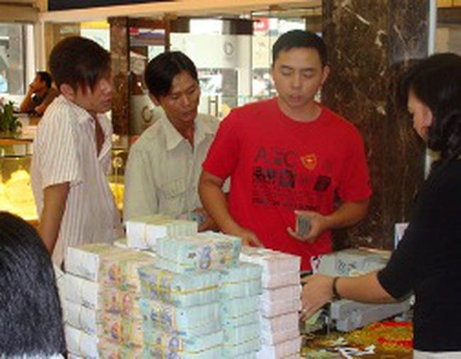 Tp Hồ Chí Minh: Dân cũng sốt vì vàng