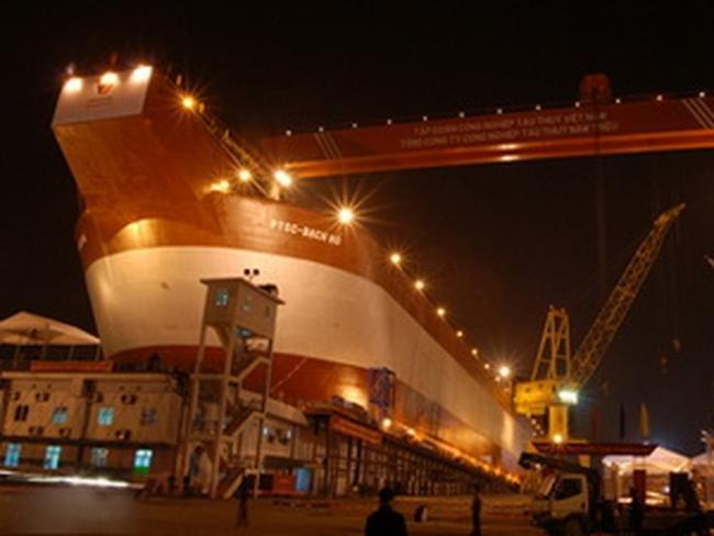 Vinashin hạ thủy, đặt ky tàu chở ximăng 16.800 tấn