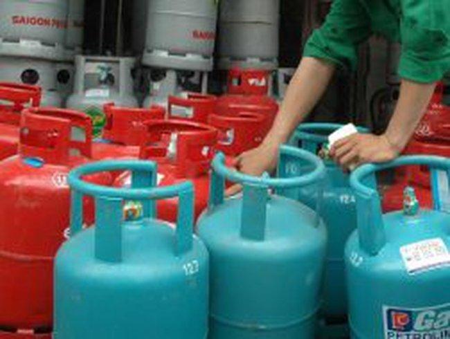 """Người tiêu dùng bị """"ăn bớt"""" gần 30% giá trị bình gas"""