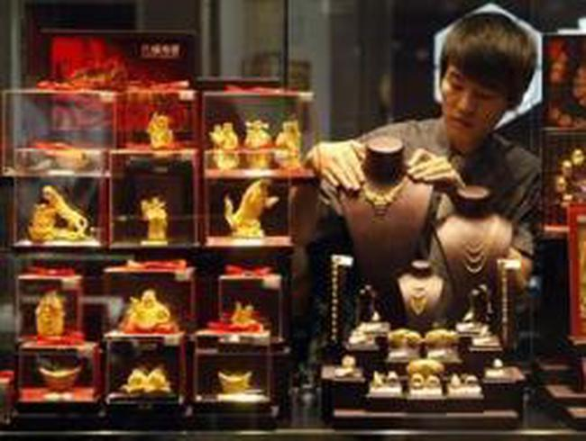 Người dân Trung Quốc ồ ạt đổ tiền vào vàng