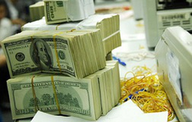 Ép hai đầu tín dụng ngoại tệ