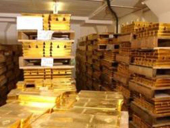 Tính hết tháng 8/2011: Ai nắm giữ vàng nhiều nhất thế giới?