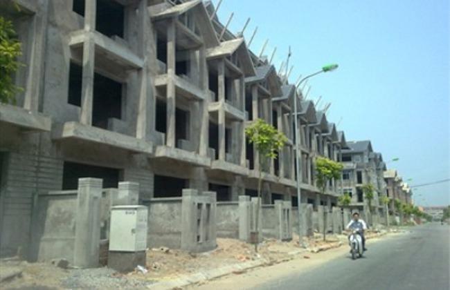 Giá nhà, đất tiếp tục giảm mạnh
