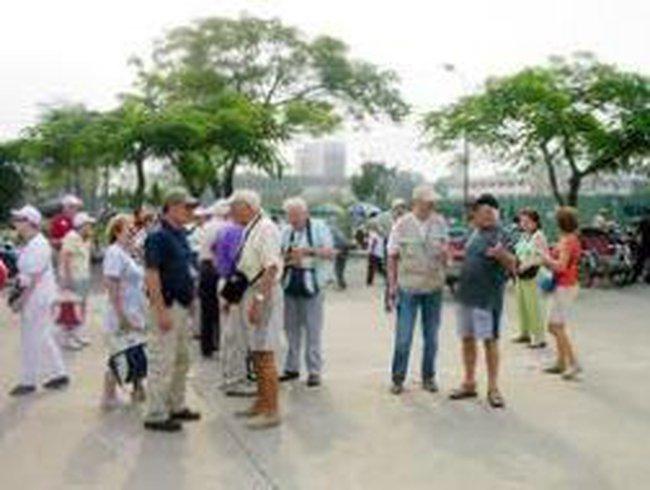Phấn đấu năm 2020, tổng thu từ khách du lịch đạt 18-19 tỉ USD