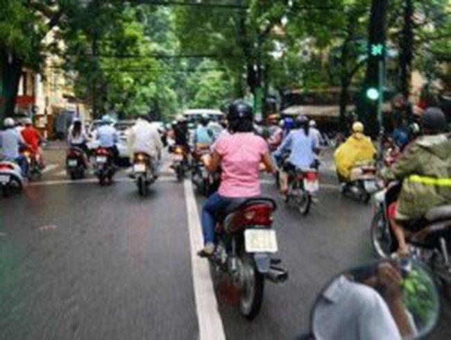 Thêm 3 tuyến phố Hà Nội được phân làn