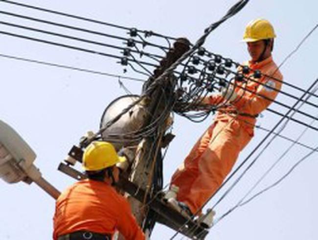 Năm 2012: Điện, xăng dầu lại đòi tăng giá