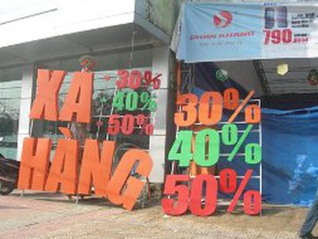 Đà Nẵng: Siêu thị, shop ồ ạt xả hàng, giảm giá cuối năm