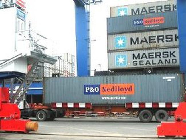 Hãng tàu lại tăng phí vận chuyển hàng đi Mỹ