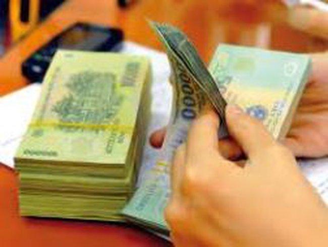 Hơn 200 công nhân lãn công vì nợ thưởng tết