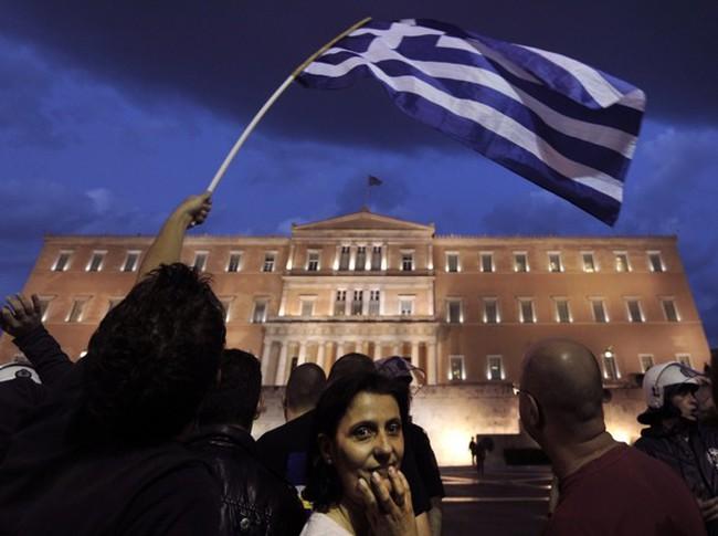 """Biện pháp thắt chặt ngân sách đang """"giết"""" kinh tế Hy Lạp như thế nào?"""