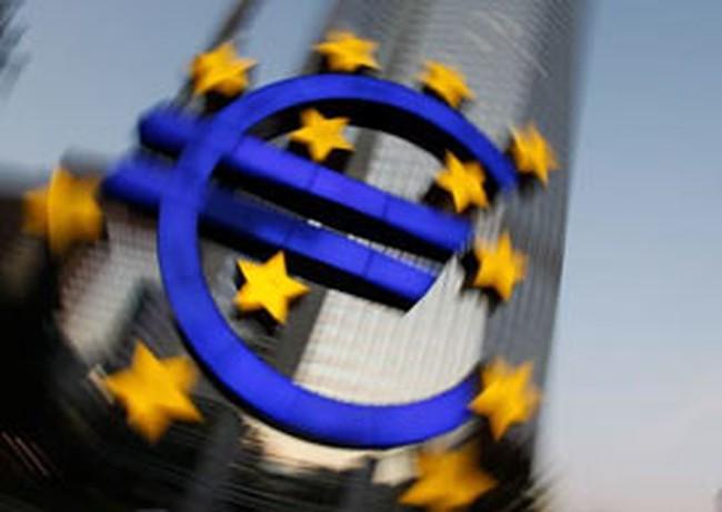 S&P bất ngờ hạ xếp hạng tín dụng 9 nước châu Âu