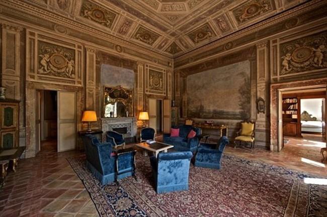 Lâu đài cổ rao bán với giá 42 triệu USD